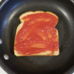 Pizza grilled cheese, a low calorie, healthier lunch option to fight the pizza cravings.